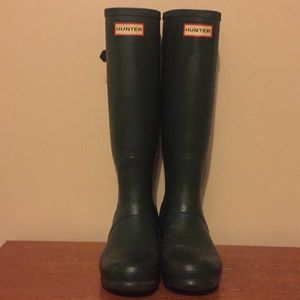 Hunter tall boots in classic green